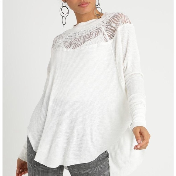 763fa9a6b2da9 Free People spring valley lace trim top NWT M